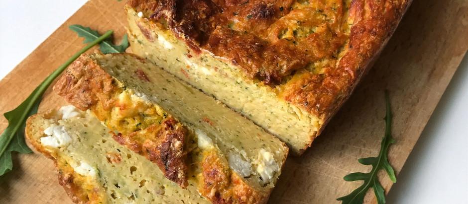 Cake courgette, fêta, tomates séchées