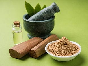Indian-Sandalwood-Benefits-Uses-and-Heal