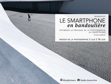 Le Smartphone en bandoulière
