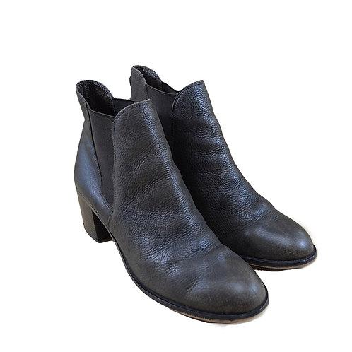 Sam Edelman Leather Chelsea Boots #151-39