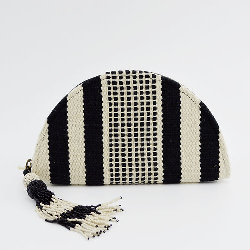 Universal Thread Woven Tassel Clutch Bag #151-1743