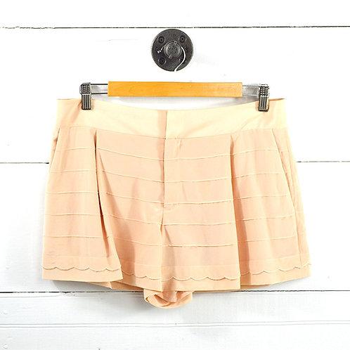 Club Monaco Silk Scallop Hem Shorts #177-1618