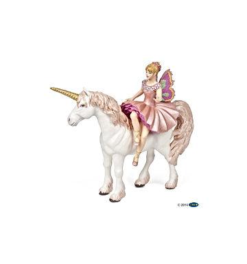Ballerine sur sa licorne