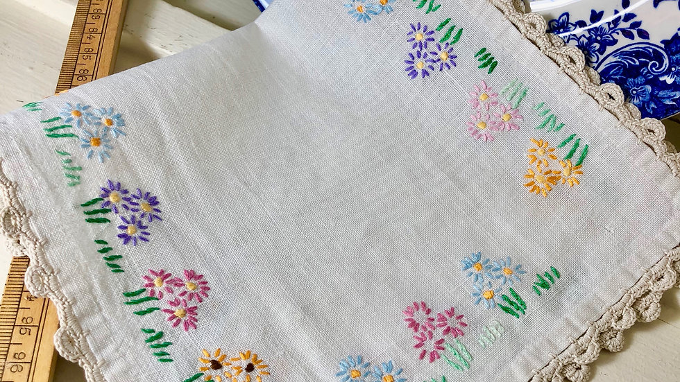 Vintage Floral Embroidered Mat with Crochet Edging.