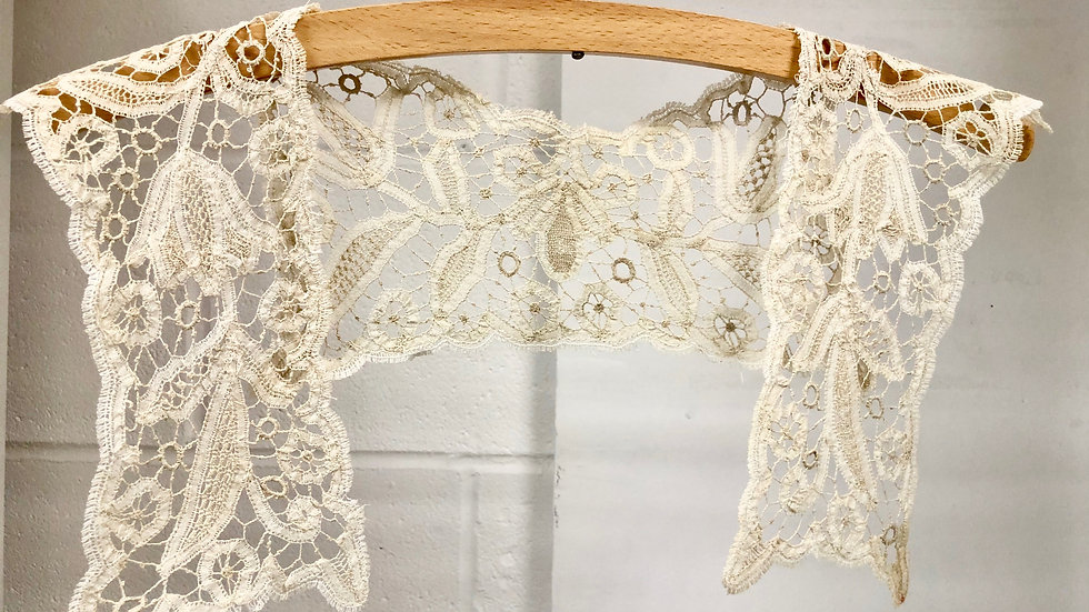 Beautiful Ivory Vintage Square Lace Collar