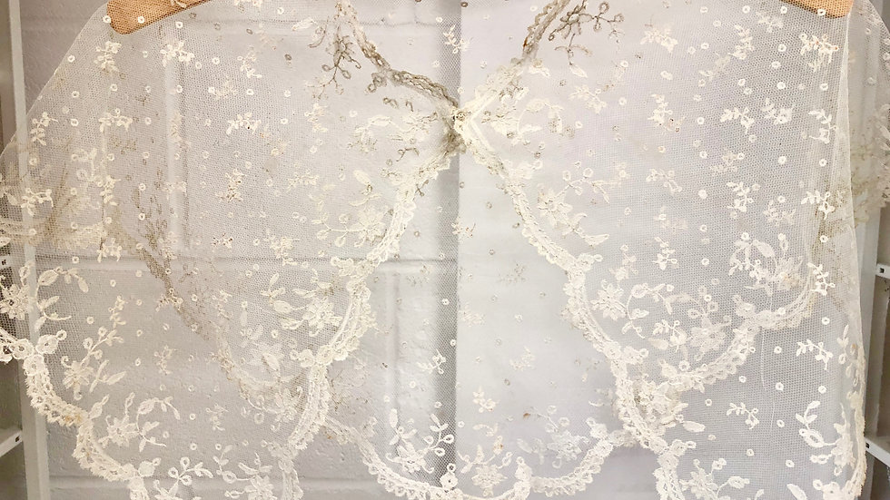 Gorgeous Ivory Vintage Lace Capelet or Large Collar
