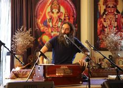 Chanting the Mahamantra