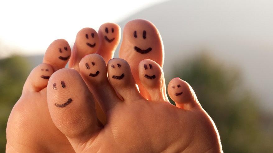 happy toes.jpg
