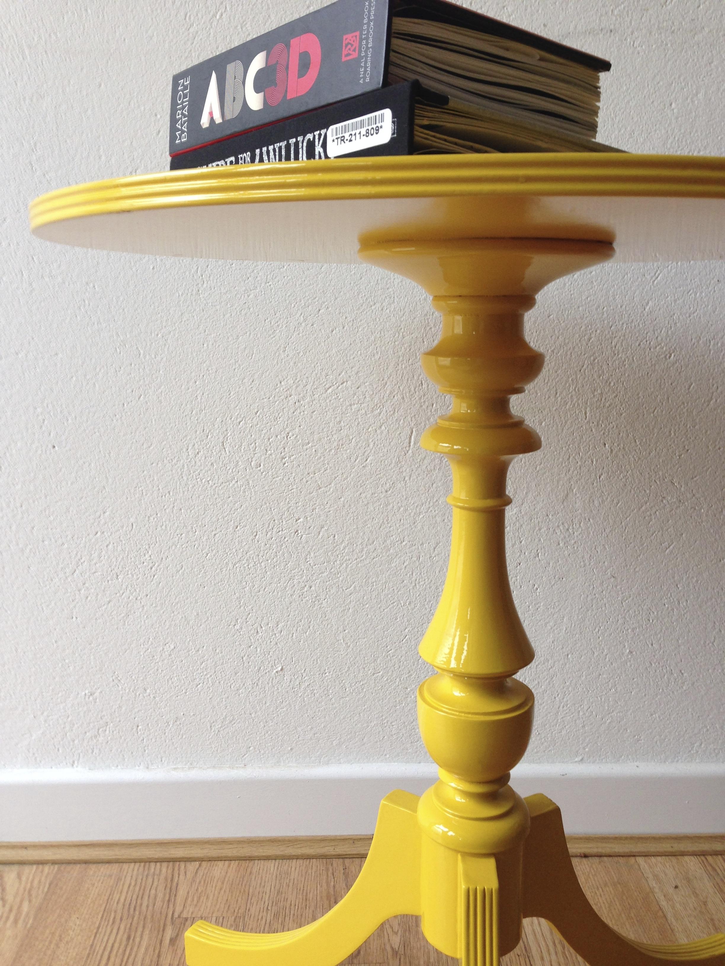 high-gloss-table-jpg