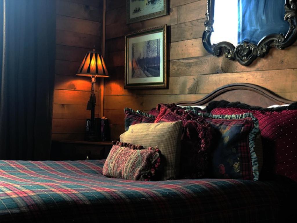 La Plata Miner Bedroom.png