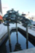 Pods (fountain) by Albert Guibara - 400