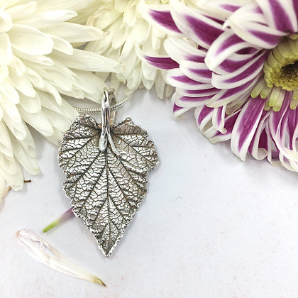 Silver pendant: Fine silver loganberry leaf