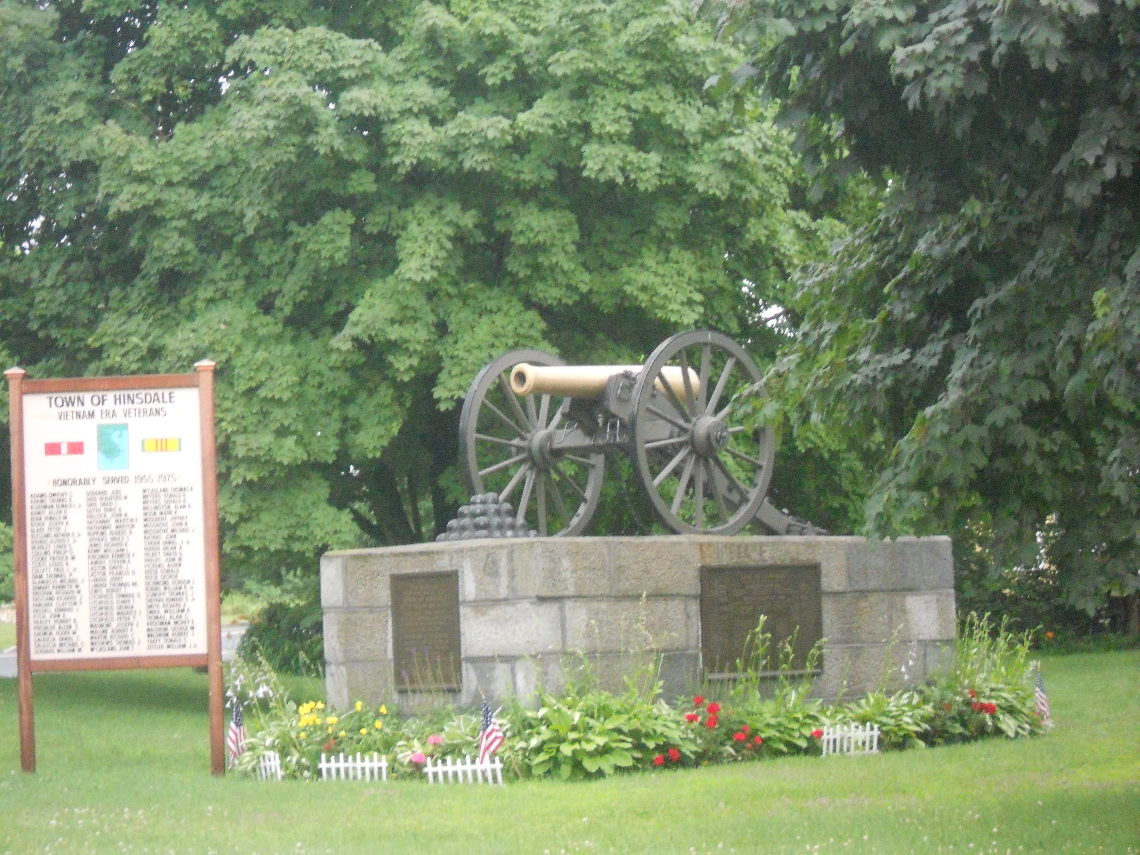 Hinsdale's Cannon Monument