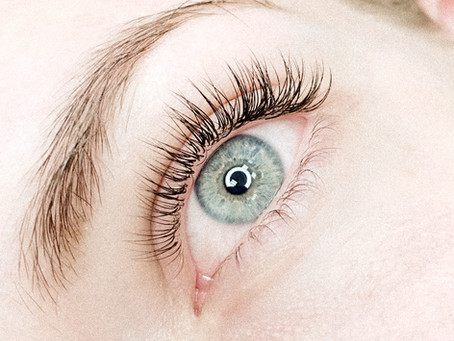 How We  Style Your Lash Extensions