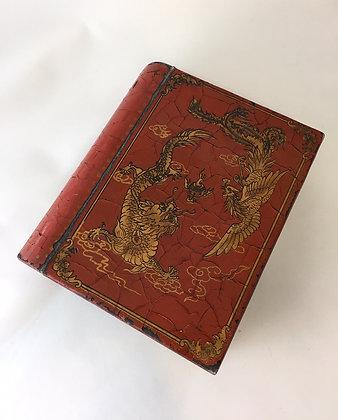 Kaseta w formie księgi