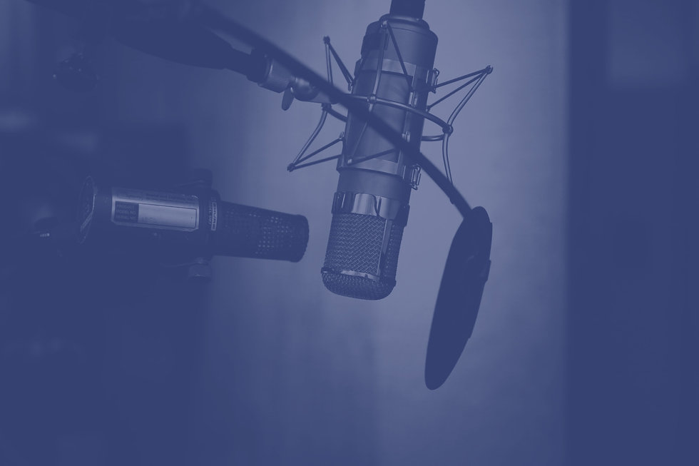 Professional%2520Microphone%2520with%2520Pop%2520Filter_edited_edited.jpg