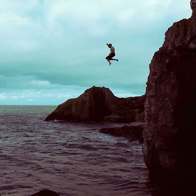 Cliff top safety for #film crew #locationscout #DOP #cliffjump using high speed, drone and monochrom
