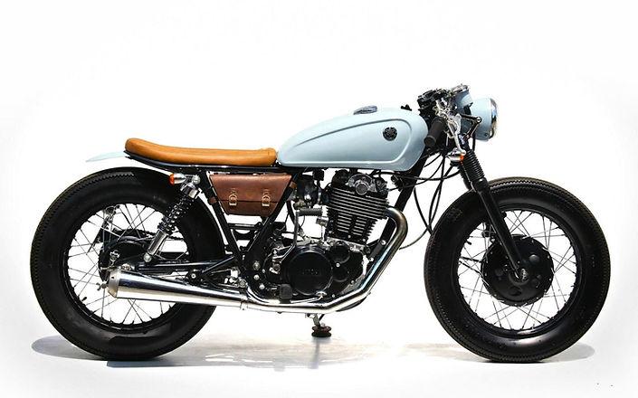 YAMAHA SR250 Caferacer Motorcycle Rental
