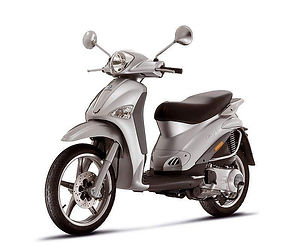 Piaggio Liberty 125cc Scooter Rental Bar
