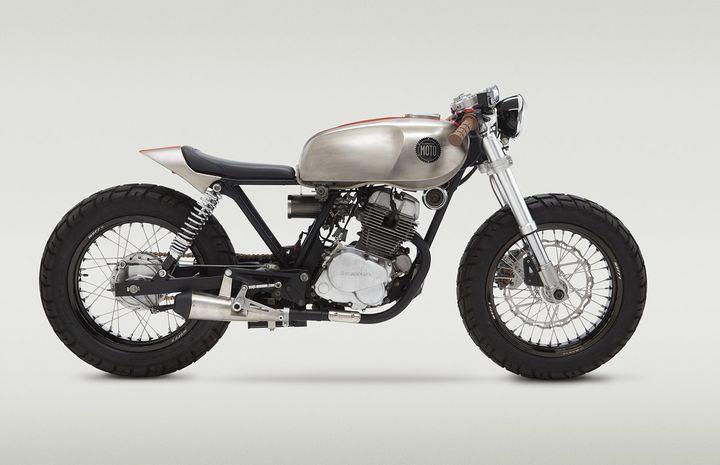 Honda CB250 - Location: BARCELONA