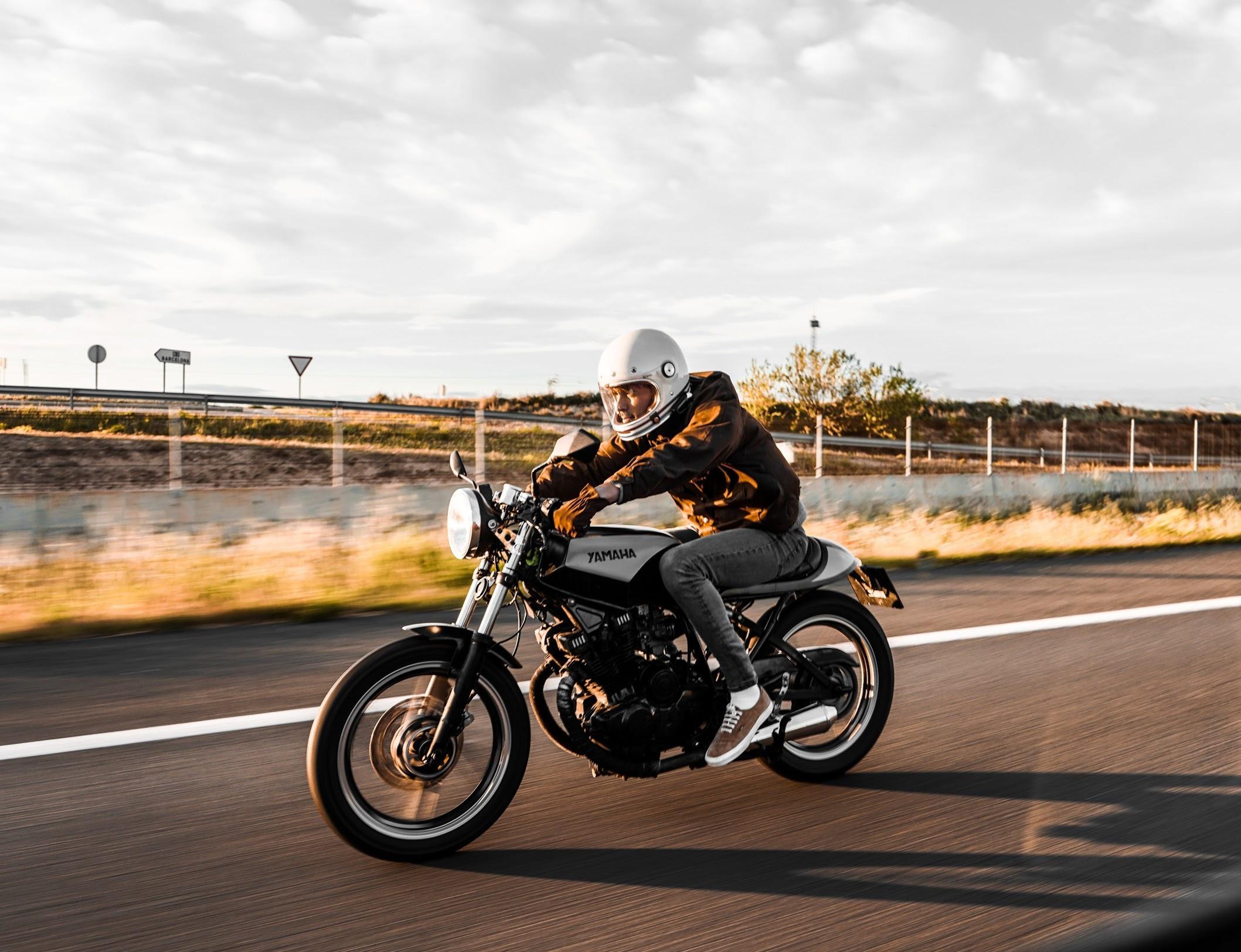 Yamaha XS400 - Location: BARCELONA