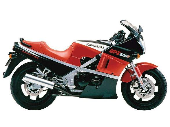 Kawasaki GPZ600R Classic Rental Motorbik