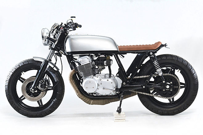 Honda CB750 cafe racer Motorcycle Rental
