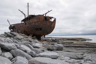 photo-bateau-rouille-inisheer-irlande