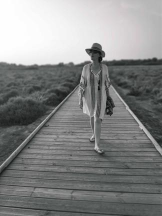 vacances-femme-promenade-ponton-vias