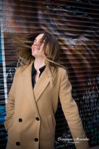 portrait-original-dynamique-mouvement-cheveux