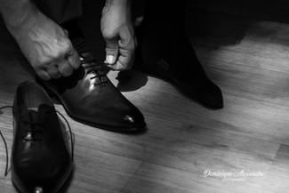 photo-preparatifs-marié-chaussures