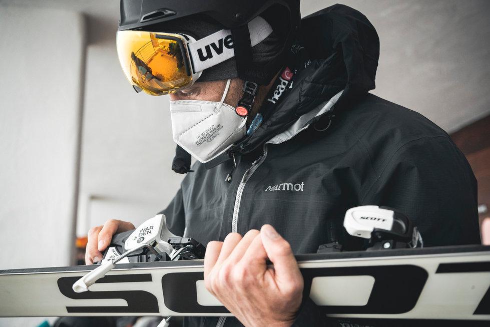 12 Skitest Hintertux 2021 DAY 1 Low RES.