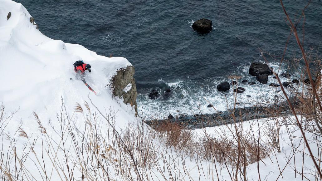 06 15. Februar 2014 Otaru Beach skiing 1