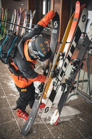 11 Skitest Hintertux 2021 DAY 1 Low RES.