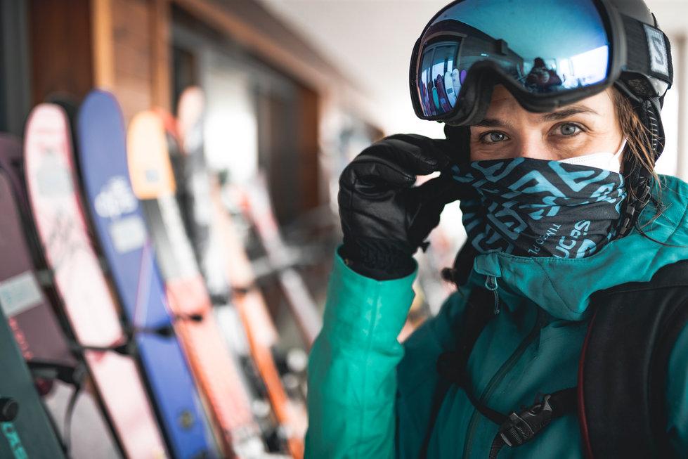24 Skitest Hintertux 2021 DAY 1 Low RES.