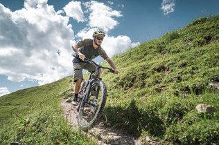 14 Low Res -  Rider Andi Valentin, Pic K