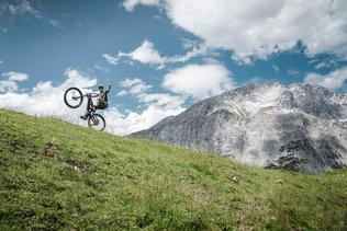 15 Low Res -  Rider Andi Valentin, Pic K