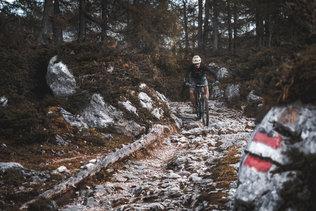 39 Low Res -  Rider Andi Valentin, Pic K