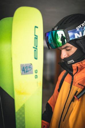 22 Skitest Hintertux 2021 DAY 1 Low RES.