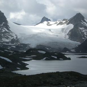 Kvitevatn og Mjølkedalsbreen (2008)