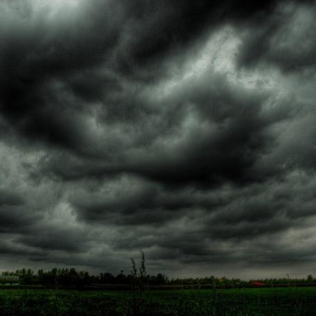De mørke skyene i finans og struktur