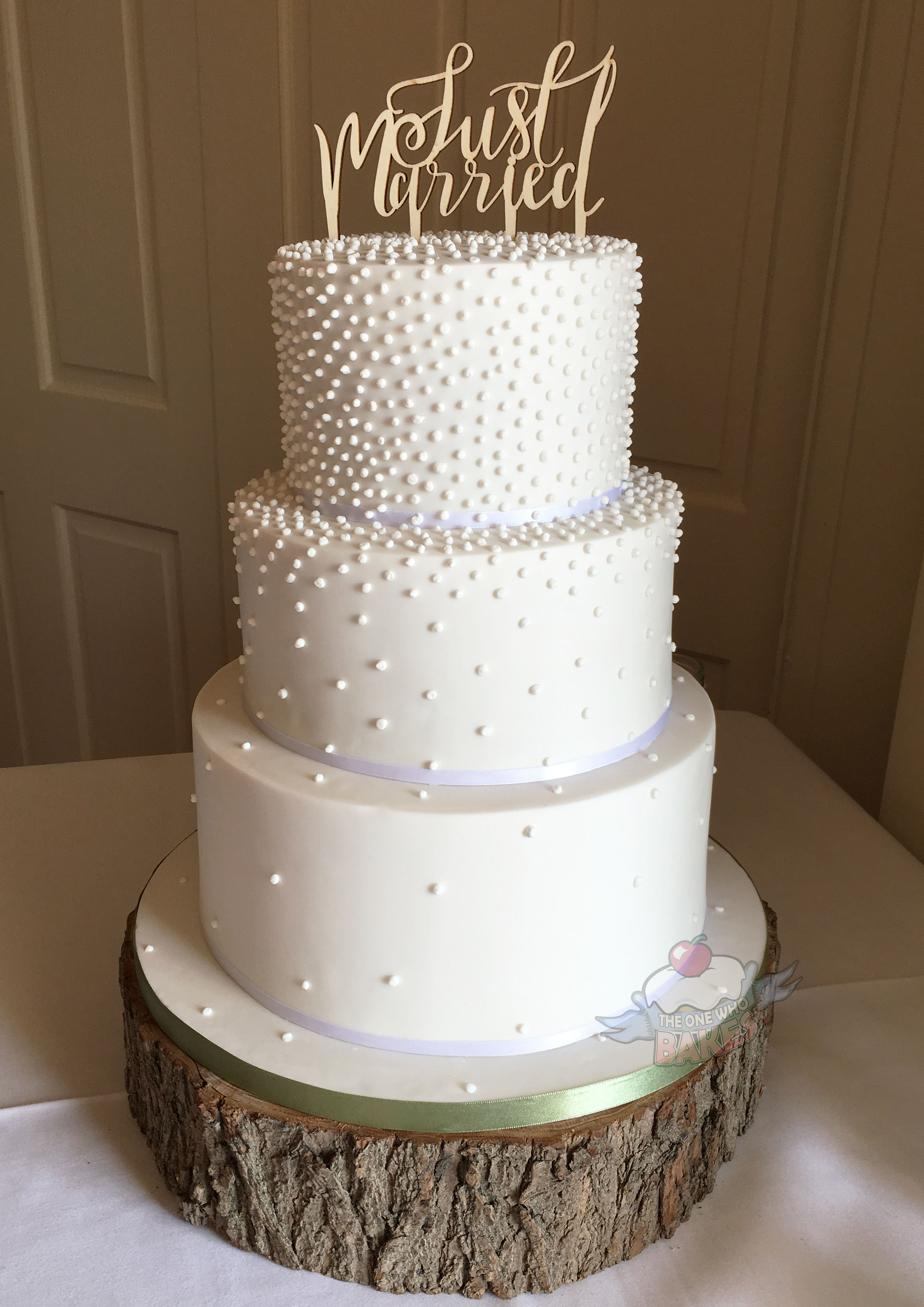 Rustic Piped Pearls Wedding Cake