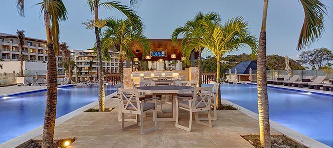 St. Lucia - Hideaway - Pool Bar.jpg