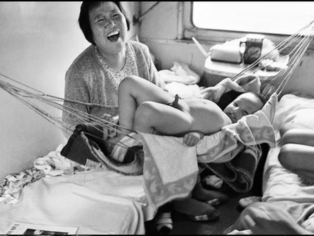 Как бабка в поезде отжимала нижнюю полку
