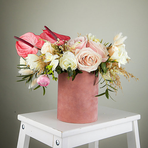 Aranjament floral în cutie de catifea