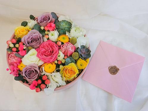 Flori in vas rotund din ceramica