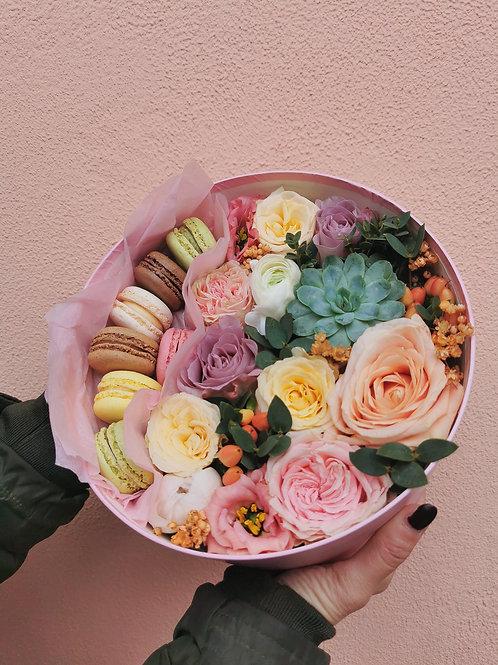 Cutie rotundă flori 7 macarons