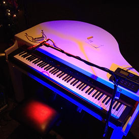 white piano black and white keys