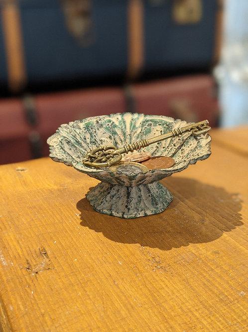 Petit Lotus Dish in Antique Green