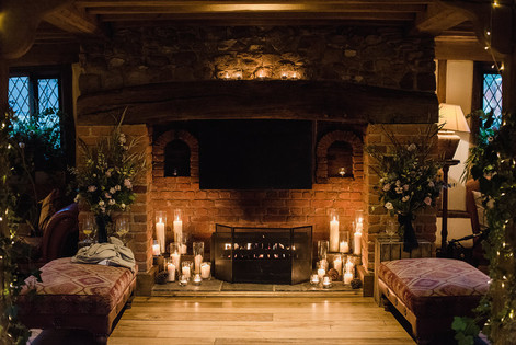 FIREPLACE CANDLE STYLING